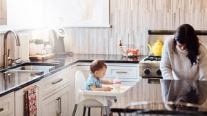 6 smart snacking ideas for busy moms