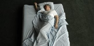 4 common mistakes keeping you from a good night's sleep
