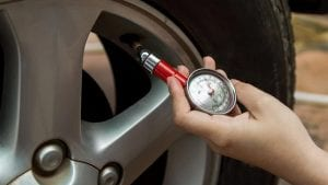 4 steps to get back on the road after a tire warning light